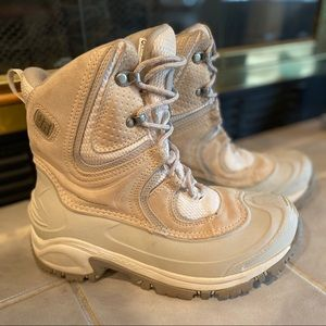 NEW- Columbia Bugaboot Winter boots in cream color